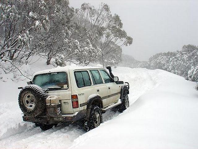 Στην ορεινή Κορινθία τα περισσότερα προβλήματα από τα χιόνια