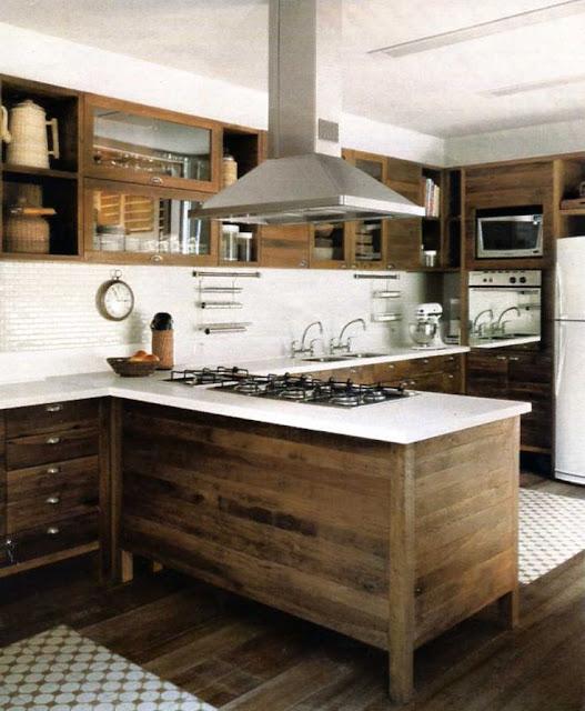 Кухня из деревянных досок