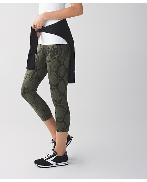 lululemon-fatigue-jazzy-snake-wunder-under-crop
