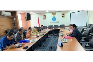 TKN Jokowi-Ma'ruf saat bertemu dengan Dewan Pers./Foto: kabar24