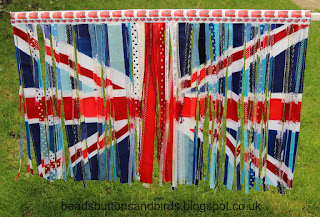 http://beadsbuttonsandbirds.blogspot.co.uk/2016/03/union-flag.html