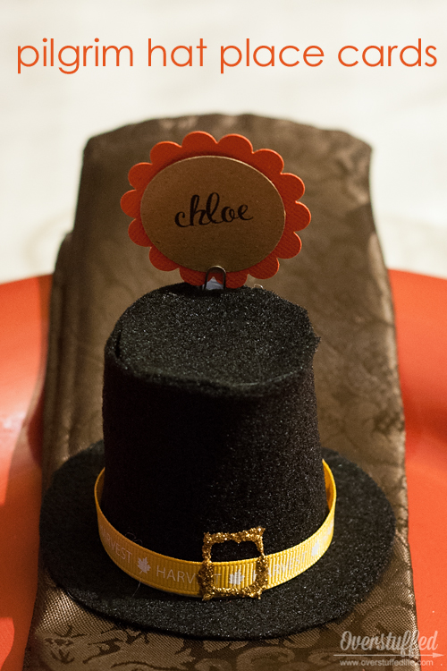 How to make adorable pilgrim hat Thanksgiving place cards that are both easy and affordable, and use things you most likely already have on hand.