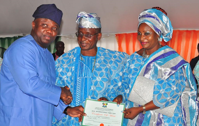 : Gov Ambode and his lovely Wife, Bolanle were given a blessing gifts at the 2016 International day of families celebration at Lagos House, Alausa