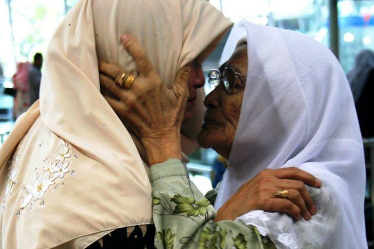 'Jangan Lupa, Orang Tua Kita Adalah Kunci Kepada Pintu Rezeki Kita'