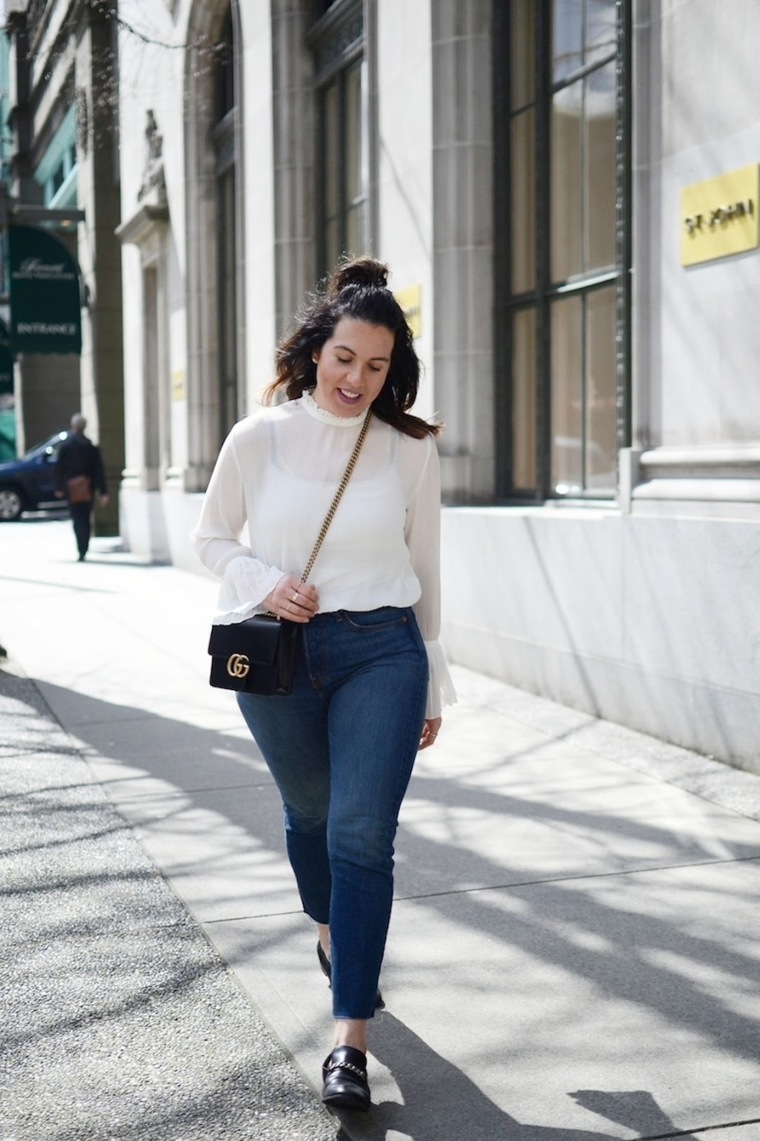 HM flared sleeve blouse outfit levis wedgie jeans gucci marmont bag vancouver fashion blogger 5