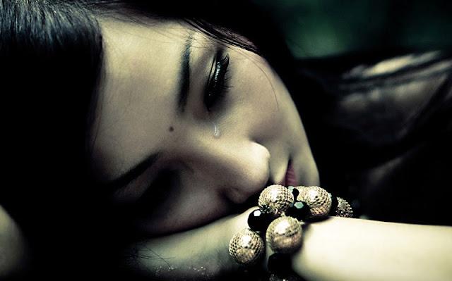Aku Diam Untuk Menyamarkan Amarahku, Aku Menangis Untuk Meringankan Rasa Sakitku..