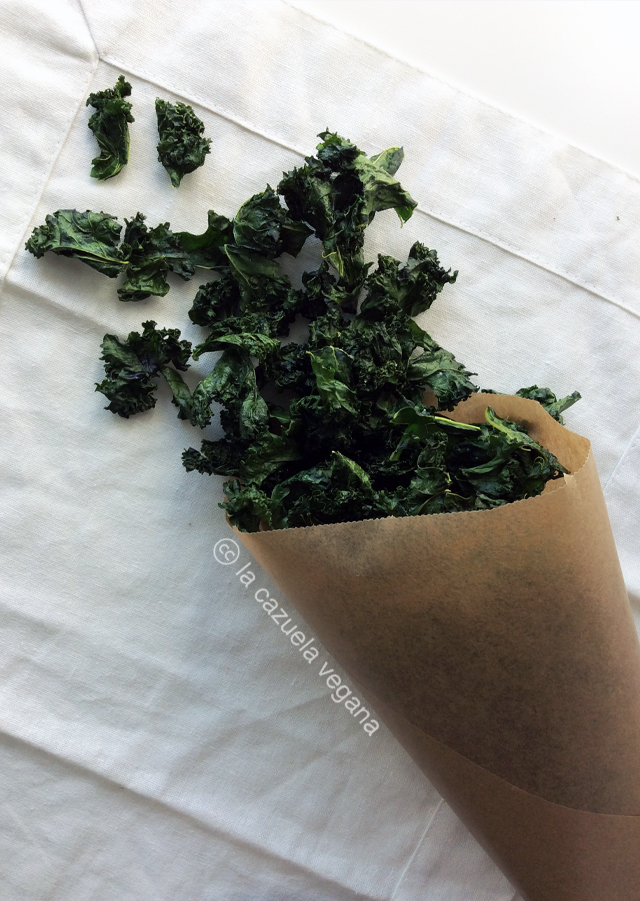 Chips de kale. Chips de col rizada.