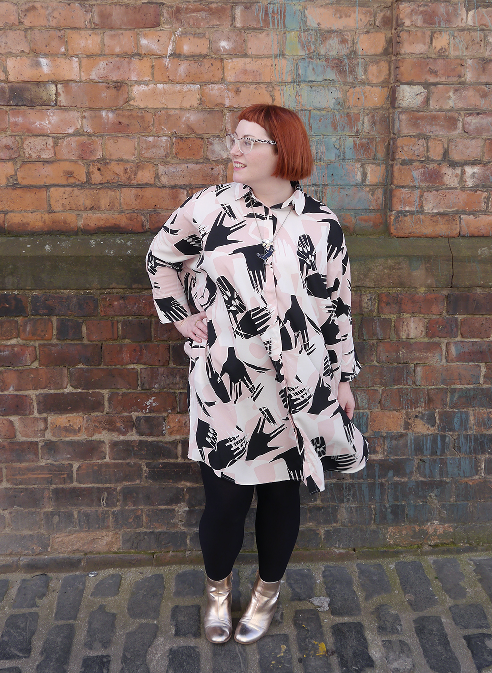 what Helen wore, ootd, Scottish blogger, Dundee blogger, blogging duo, Scottish street style, Glasgow street style, Monki shirt dress, Monki hand print dress, #monkistyle, internet shopping, online shoppin tips, shoppin online, how to shop online, Karen Mabon cat necklace, Karen Mabon jewellery, gold boots, easy to wear fashion, easy outfit, red head, micro fringe, ginger bob, Spex Pistols, online shopping tips, online shopping win