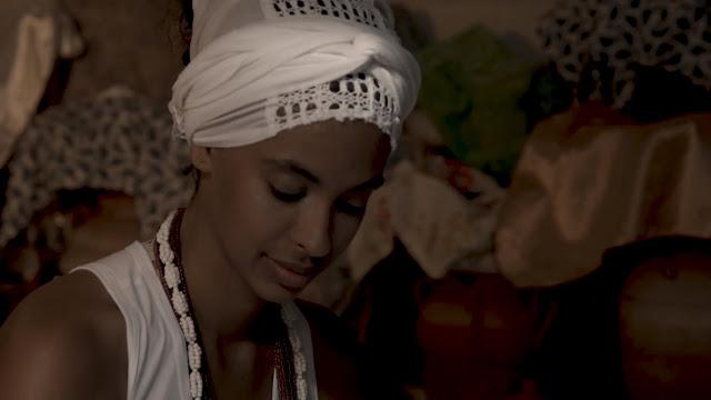 """""""Eu, Oxum"""": cantora Héloa lança documentário"""