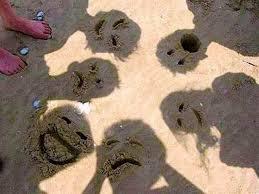 Sombras engraçadas na praia