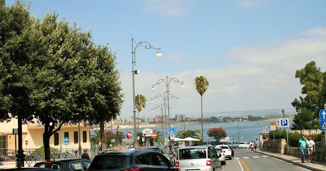 Taranto, alberi, mare