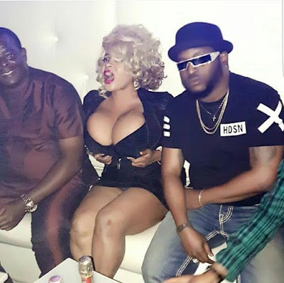 Cossy Orjiankor shows off her massive assets inside club