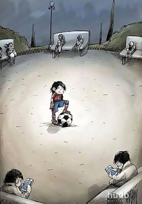 Saat tidak ada teman lagi yang bisa diajak main bola