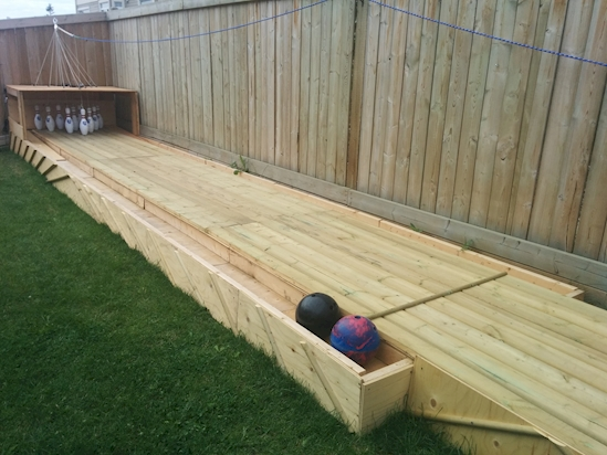8.%2BSo%2Bthis%2Bis%2Bwhat%2Bthe%2Bfinished%2Boutdoor%2Bbowling%2Balley%2Blooks%2Blike. Cheap And Simple Do Some DIY Backyard Bowling And Never Be Bored Again Interior