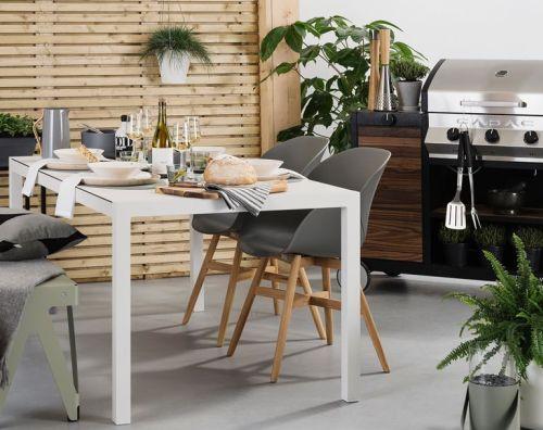 Zomer In Keuken : Ferienhaus mit pool in languedoc roussillon in cornillon frankreich