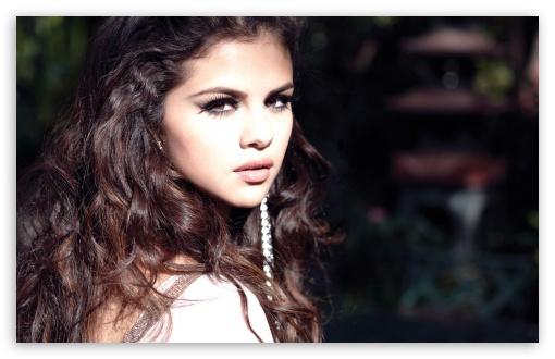 Selena Gomez Wallpaper 2018 | Download Selena Gomez Wallpaper Free