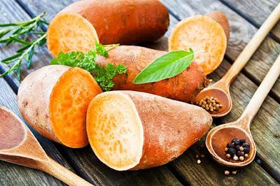 البطاطا الحلوة غنية بالالياف التي تحمي من الامساك