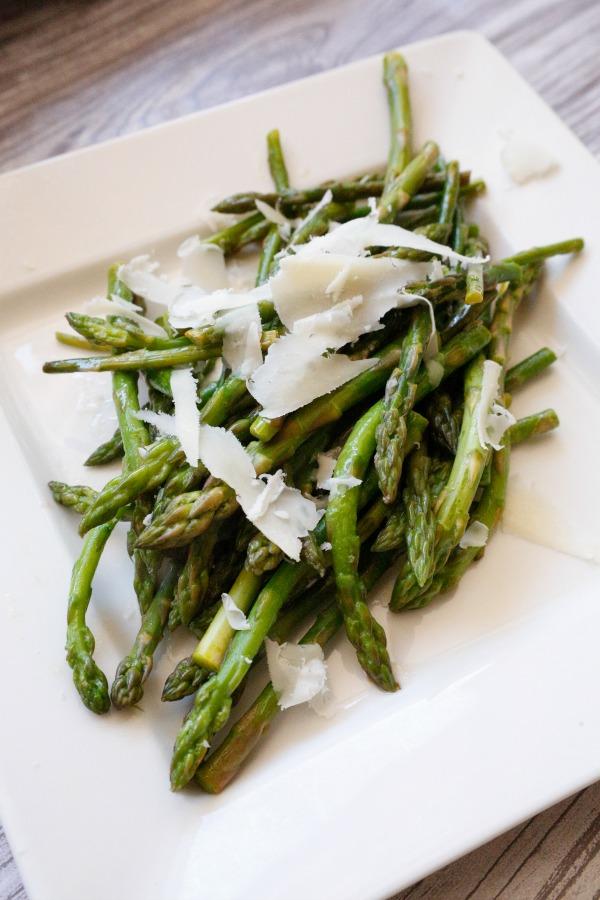 Lemon Parmesan Asparagus - a super simple and delicious side dish