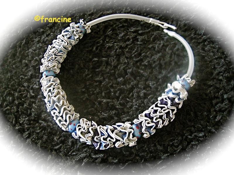 Fabuleux FRANCINE BRICOLE : Colliers et bracelets à fleurettes en Capsules  OA29