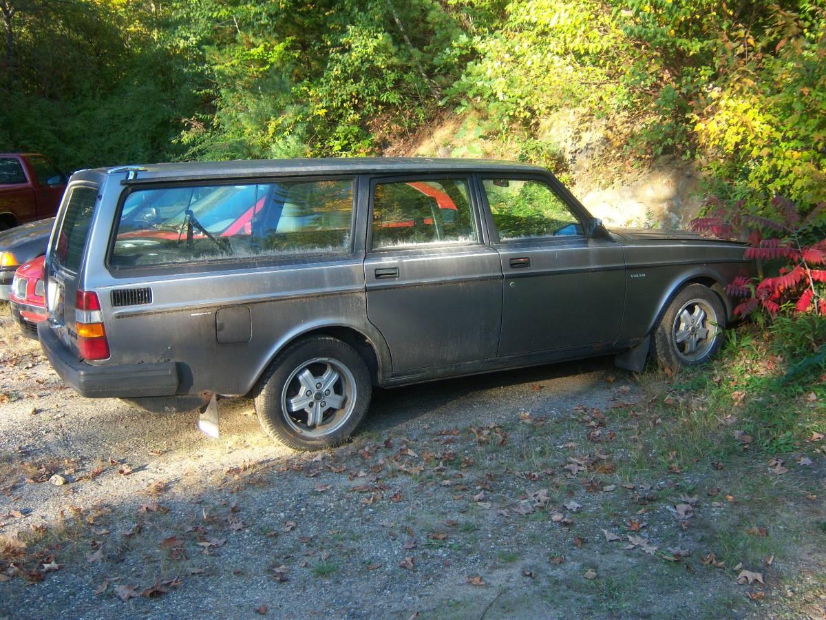 Daily Turismo: 5.0 Project: 1985 Volvo 245 wagon