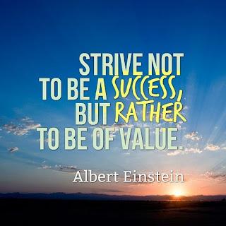 Display Picture Gratis Albert Einstein Value