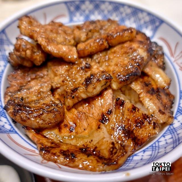 【豚丼丸家】肥瘦兩種豬肉鋪滿白飯 1.5倍肉量讓人超滿足