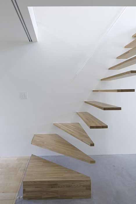 Cinco ideas para dise ar escaleras en ambientes peque os for Escaleras interiores en espacios reducidos