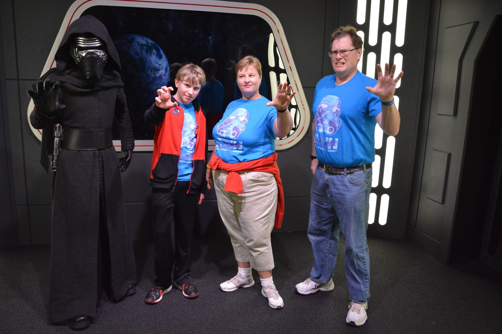Williams family perks of traveling with a disney rewards visa two disneys hollywood studios is the park with the star wars meet and greet location offered 1100 am to 400 pm daily in the star wars launch bay m4hsunfo
