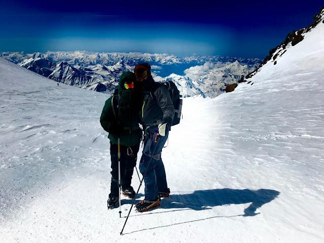 Janiina Ojanen ja Heikki Kauppinen Elbrusilla