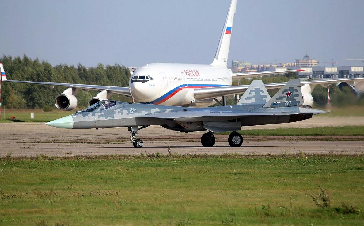 Sukhoi Su-57 and Il-96 Size Comparison in Perspective