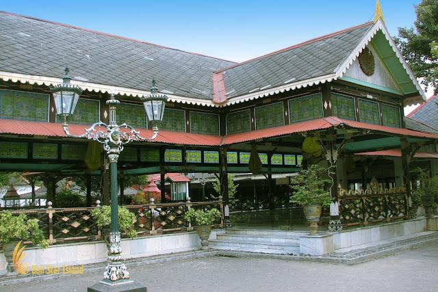 قصر يوجياكارتا
