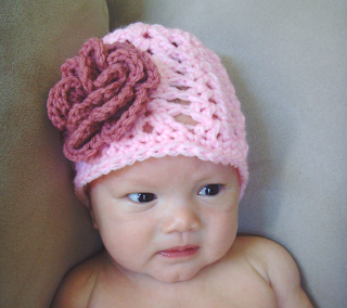 crocheted baby girl flower beanie