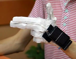 EnableTalk - Sarung Tangan untuk Orang Bisu