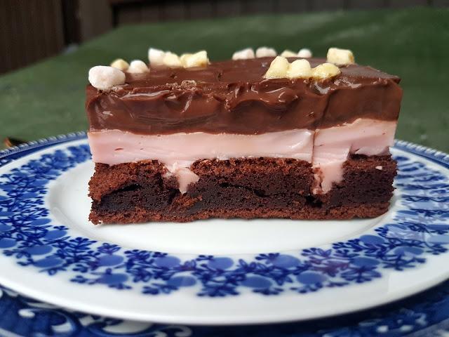 Poke cake (Reikä leivos)