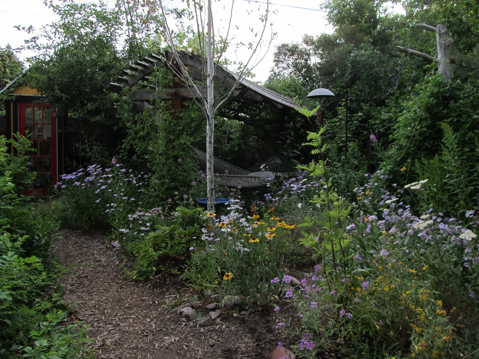 Montana Wildlife Gardener: Repurposed potting bench ...