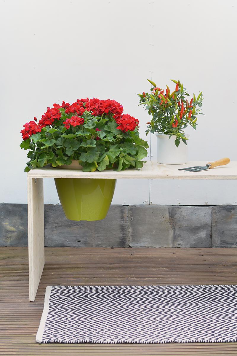 DIY flower bench   BURKATRON