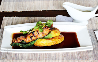 Pritota De Salmon Roger's Cafe Dago