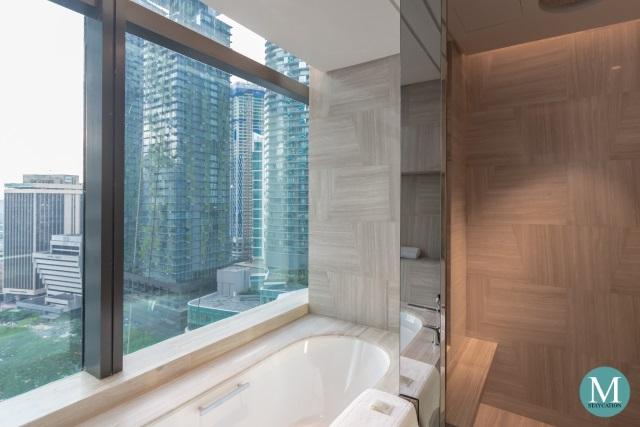 bathtub of the Junior Suite at Four Seasons Hotel Kuala Lumpur