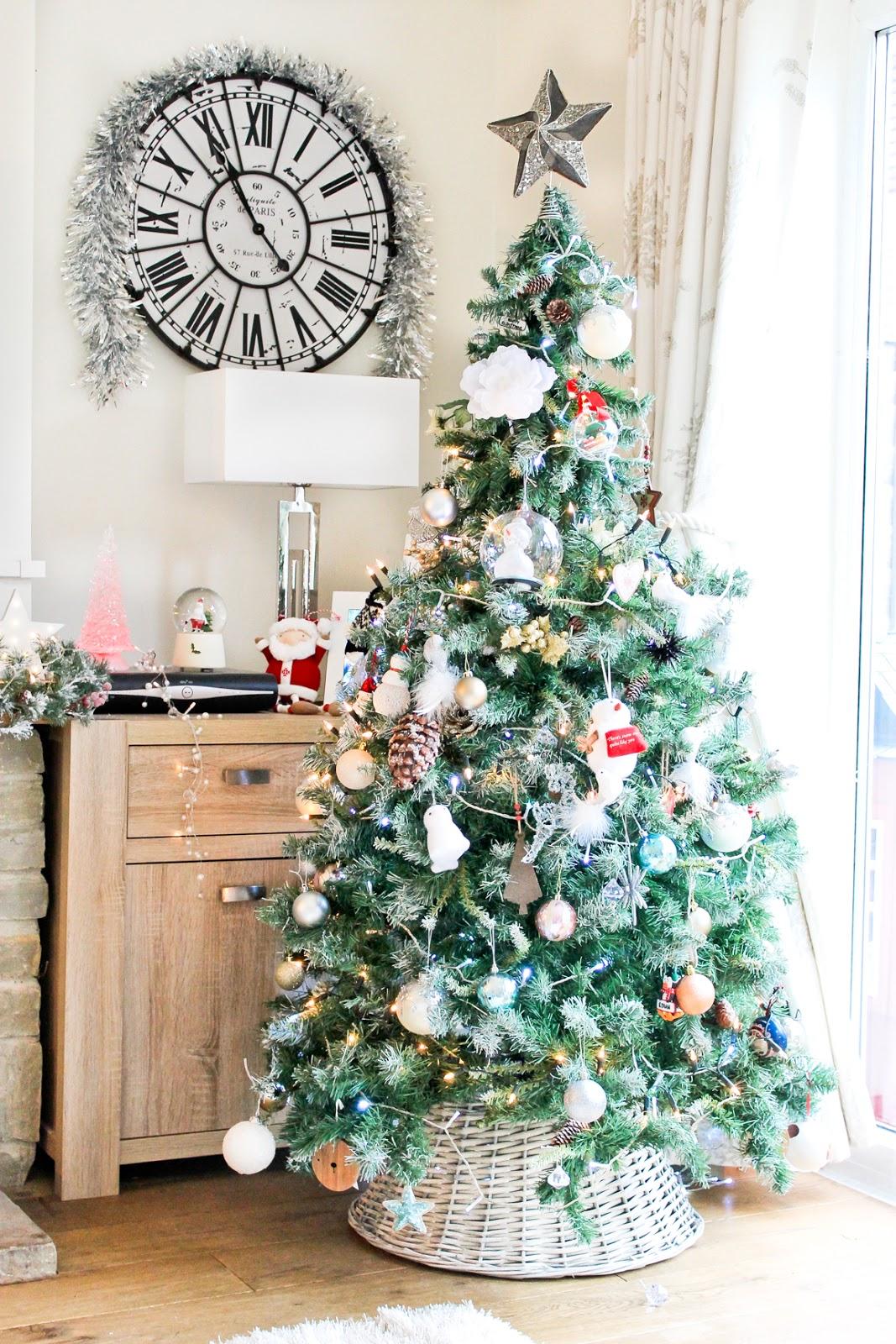 scandi christmas tree, christmas home decor tour, wicker christmas tree skirt
