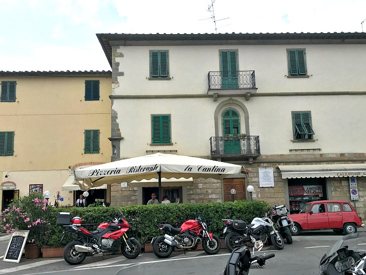 One of my favorite places for pizza in Tuscany.
