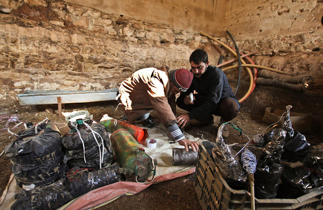 Fabrica de armamento rebeldes sirios