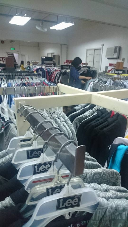 Locations, driving directions, working hours, telephones, maps. Save money on jeans & denim and more.