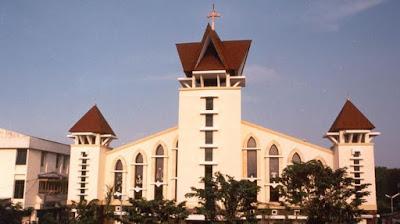 Ini Sindikat Aksi Bom Bunuh Diri Gereja Katolik di Surabaya