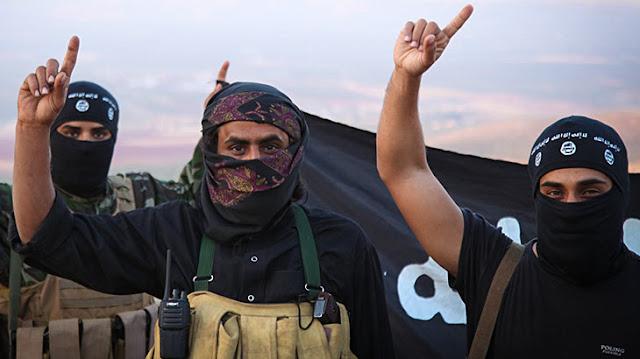 Υψώθηκαν σημαίες του Ισλαμικού Κράτους σε αλβανικά χωριά και στη Βόρειο Ήπειρο