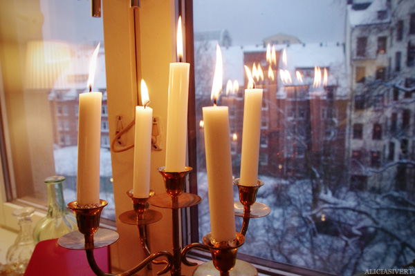 aliciasivert, Alicia Sivertsson, jul, christmas, x-mas, ljusstake, mässingsljusstake, tända ljus, candle, candles