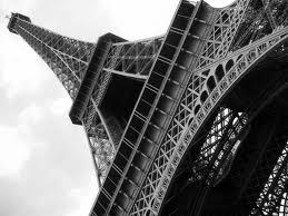 eyfel kulesi,eyfel kulesi kaç metre,eyfel kulesi yüksekliği,eyfel kulesini kim yaptırmıştır,eyfel kulesi tarihi