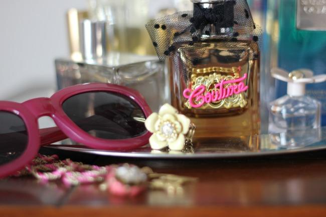 03b7ec91822 blushing basics  Viva La Juicy Gold Couture