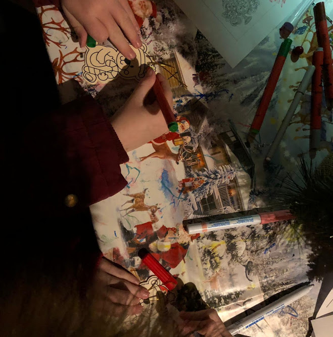 Alnwick Garden Santa Review  - crafts in hut