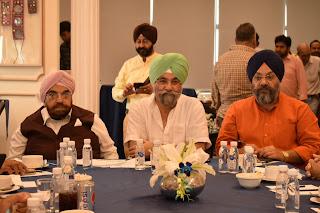 """"""" राजू चड्ढा ने पंजाब फोरम के साथ गुरु नानकदेव जी के 550वें समारोह पर चर्चा की """""""