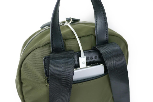 △External front zip pocket X1 (can be used for key face paper youk  card...etc. 28b1c237e7c89